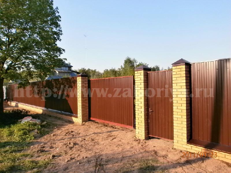Кирпичные столбы калитка и ворота