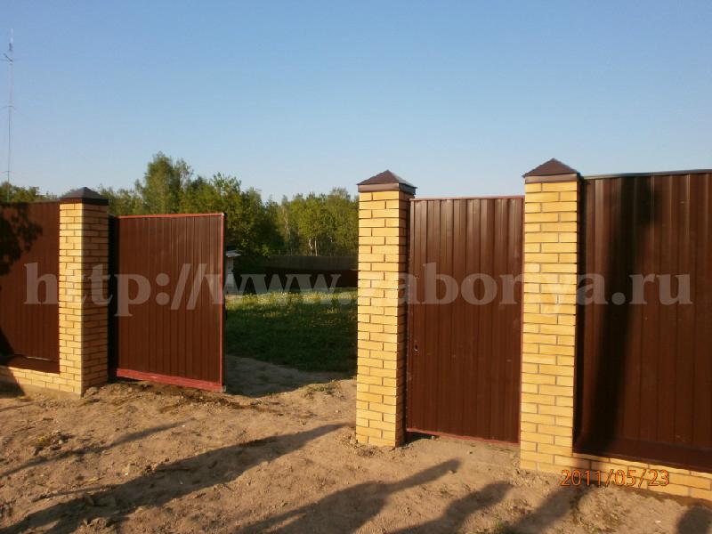 Кирпичные и бетонные заборы в МО