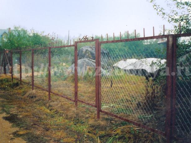 Секционные заборы из сетки рабицы